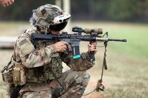 Next-generation headset preps Soldiers for future battlefield